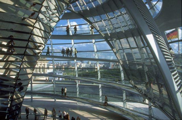 các công trình kiến trúc bằng kính 1