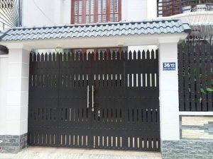 mau-cua-cong-sat-4-canh-dep-don-gian-hien-dai-28