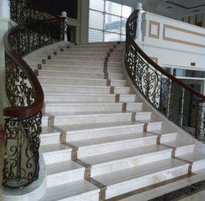 mau-cau-thang-op-lat-da-marble-cam-thach-dep-8