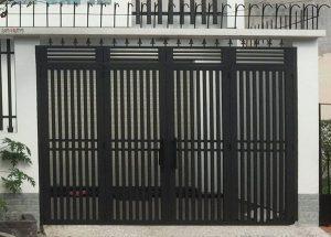 mẫu cửa cổng sắt hộp mạ kẽm 4 cánh CK1139 giá rẻ tại TpHCM