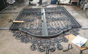 Mẫu cửa cổng sắt nghệ thuật mỹ thuật đẹp