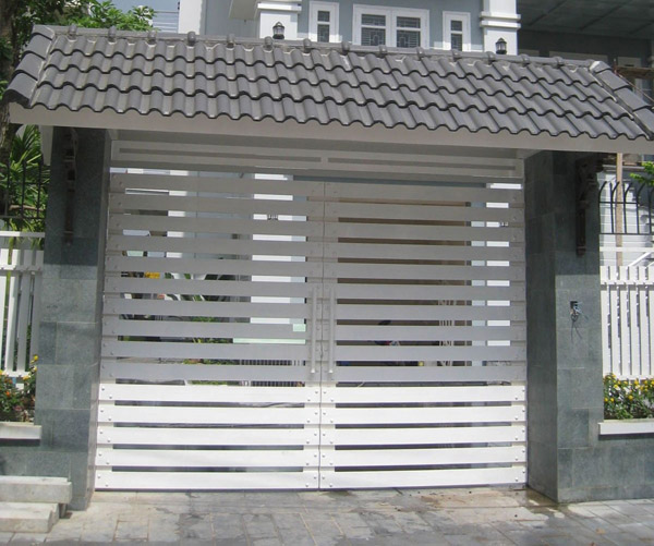 mau-cua-cong-sat-2-canh-dep-don-gian-hien-dai-25