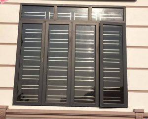 Mẫu cửa nhôm kính việt pháp màu ghi đen đẹp
