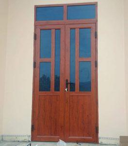 Mẫu cửa nhôm kính việt pháp vân gỗ đẹp