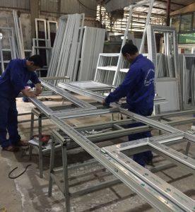 Sản xuất thi công lắp đặt cửa nhựa lõi thép giá rẻ