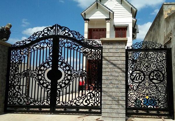 Mẫu cửa cổng sắt CNC đẹp