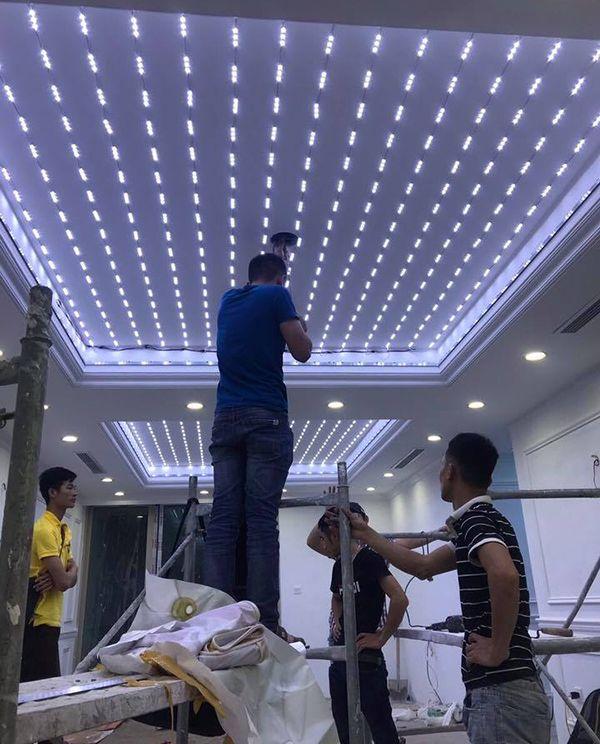 48. Thi công làm trần thạch cao trần xuyên sáng 3D