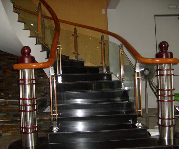 Tìm hiểu các loại đá ốp lát cầu thang, bậc tam cấp